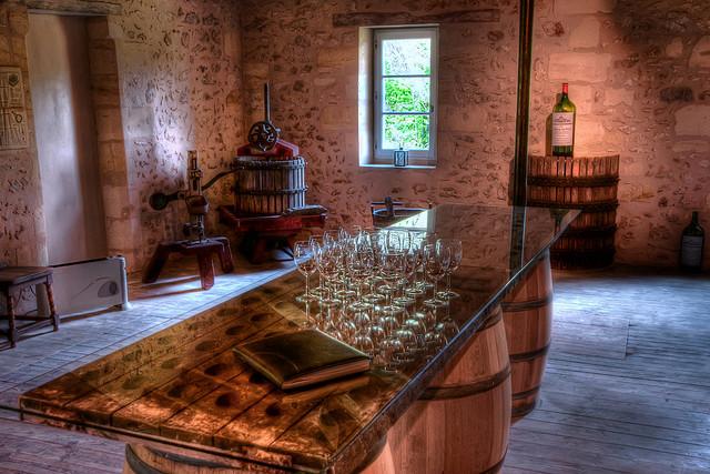 A Classic Bordeaux Vineyard - Oliver's Travels (image courtesy of Erik Söderström via Flickr)