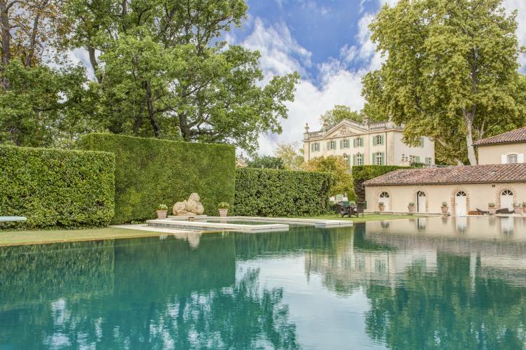 Chateau-du-Taureau-Provence-Alpes-South-Olivers-Travels