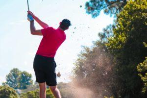 golf courses norfolk - man playing golf