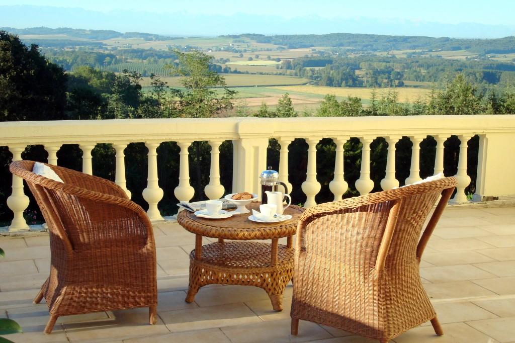 Chateau Petit, Aquitaine - Oliver's Travels