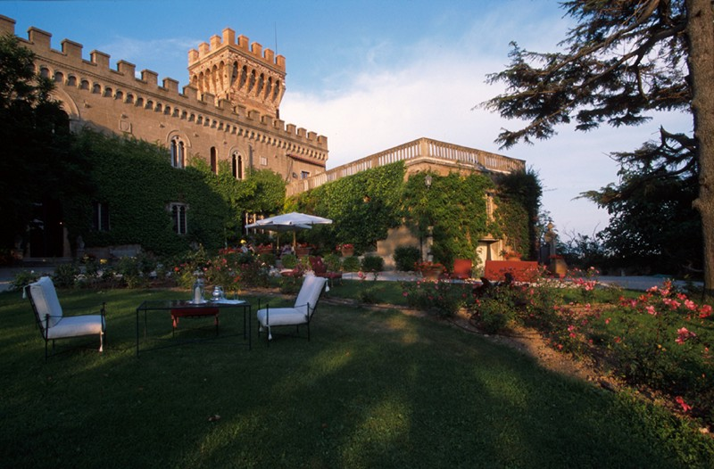 Castle Mago - Italy - Oliver's Travels