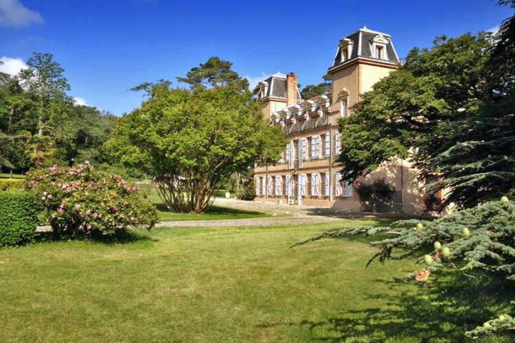 Chateau Ariege - Midi-Pyrenees - Olivers Travels