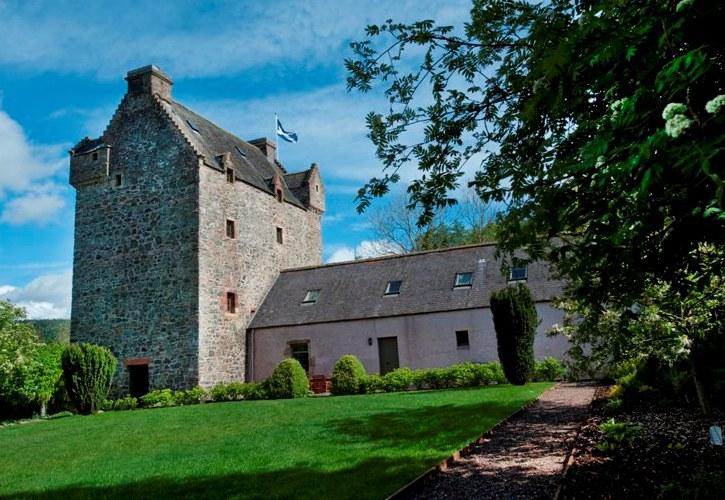 Scott Tower - Scotland - Oliver's Travels