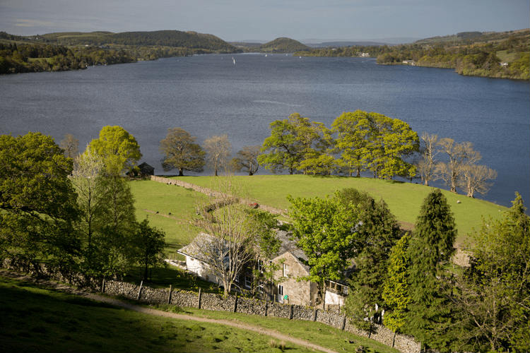 Lakeside House - Lake District - Oliver's Travels