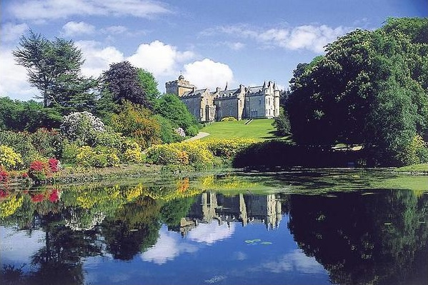 Baronial Castle, Scotland - Oliver's Travels