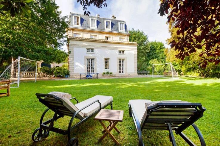 Chateau D'alsace - Paris Region - Oliver's Travels