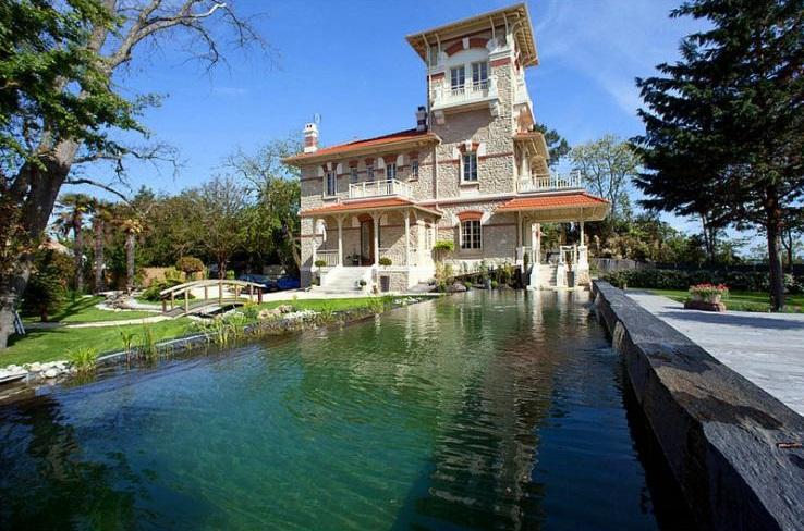 Villa la Bassin - Aquitaine - French Wedding Venues - Oliver's Travels
