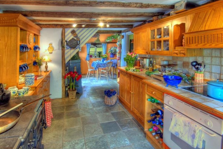 Manor Farmhouse - The South East - Luxury Holiday Cottages - Oliver's Travels