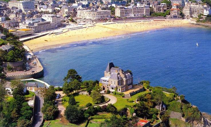 Chateau du Moulin - Brittany French Chateax - Oliver's Travels