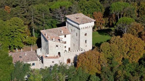 Castello Gubbio - Villa Holiday - Oliver's Travels
