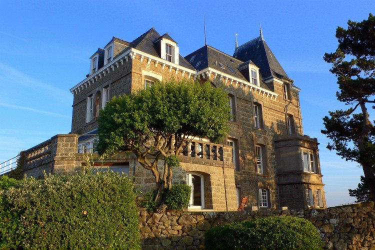 Chateau du Moulin - Brittany - Oliver's Travels