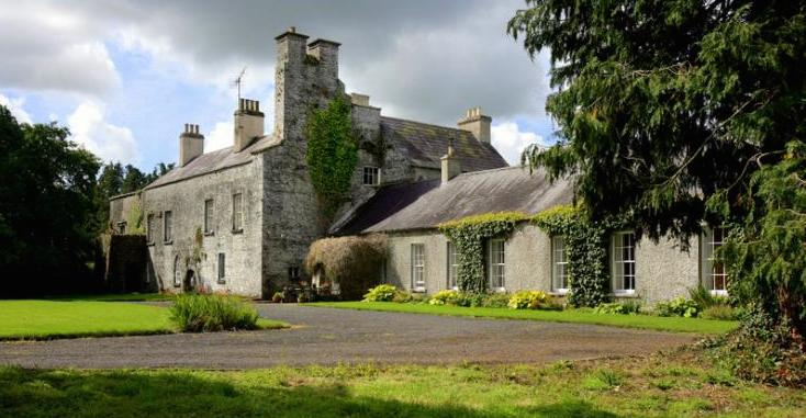 Irish Country Castle - Dog Friendly Cottages - large holiday homes - Oliver's Travels