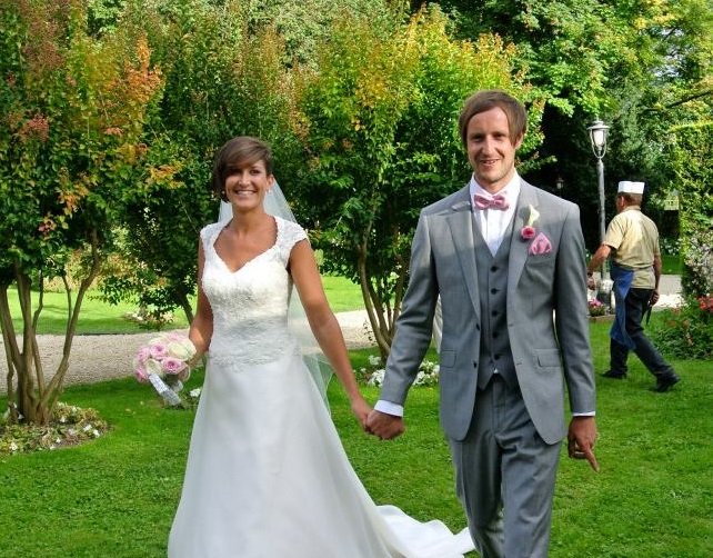 Naomi and Dan - French Destination Wedding Venues - Oliver's Travels