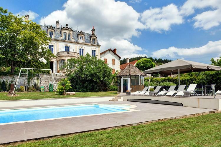 hateau de Naugues - Burgundy - Oliver's Travels