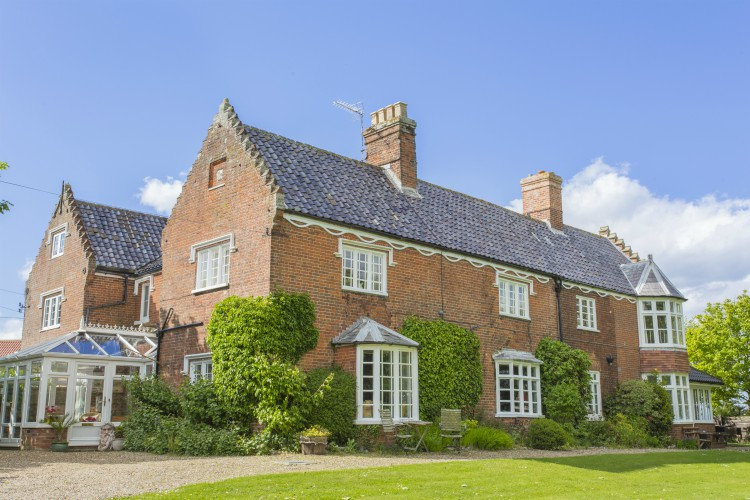 Meadow Manor - Norfolk - Oliver's Travels