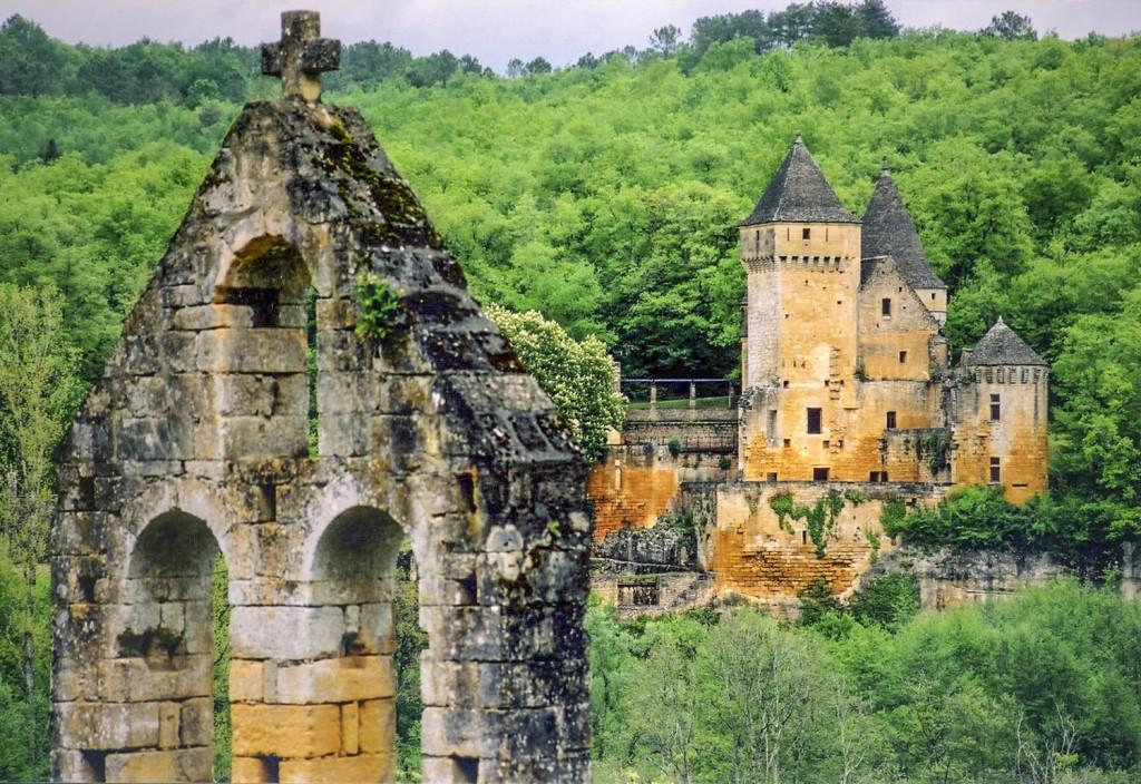 Chateau de Lauzel - Dordogne - Oliver's Travels