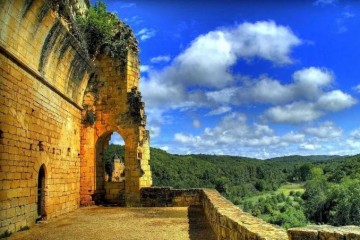 Chateau De Lauzel, Dordogne - Luxury French Villas to Rent - Oliver's Travels