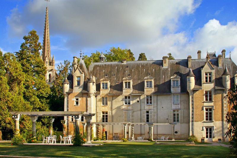 Chateau De St Jean - Charentes - France - Oliver's Travels