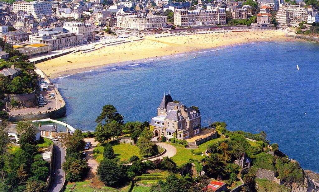 Chateau Du Moulin 15 - Brittany - France - Oliver's Travels