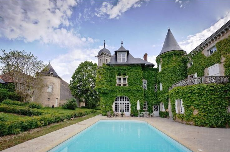 Chateau St Victor, Loire Valley - Oliver's Travels