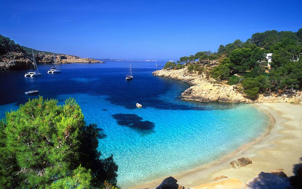 The local guide to authentic mallorca oliver 39 s travels for Best beach near la