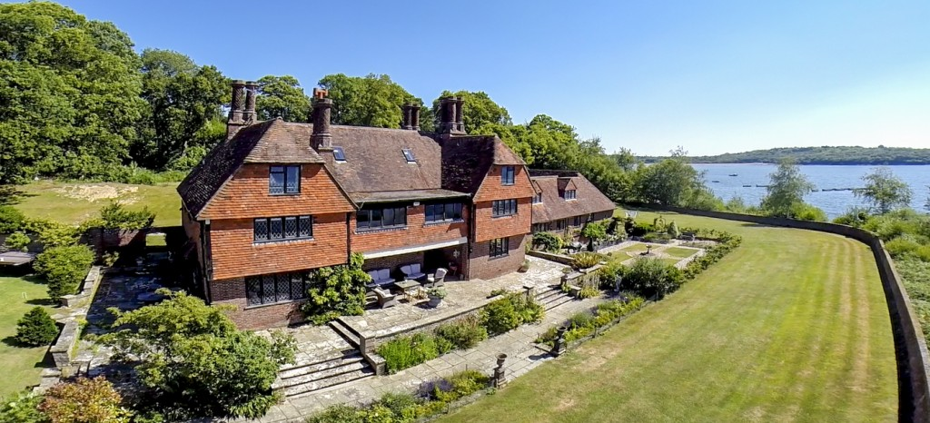 Waterside House - Sussex - Oliver's Travels