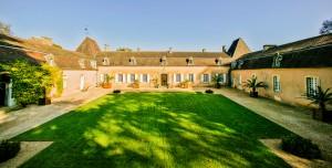 Chateau-de-Viresco-Dordogne