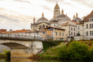 Isle river and town of Perigueux, France header