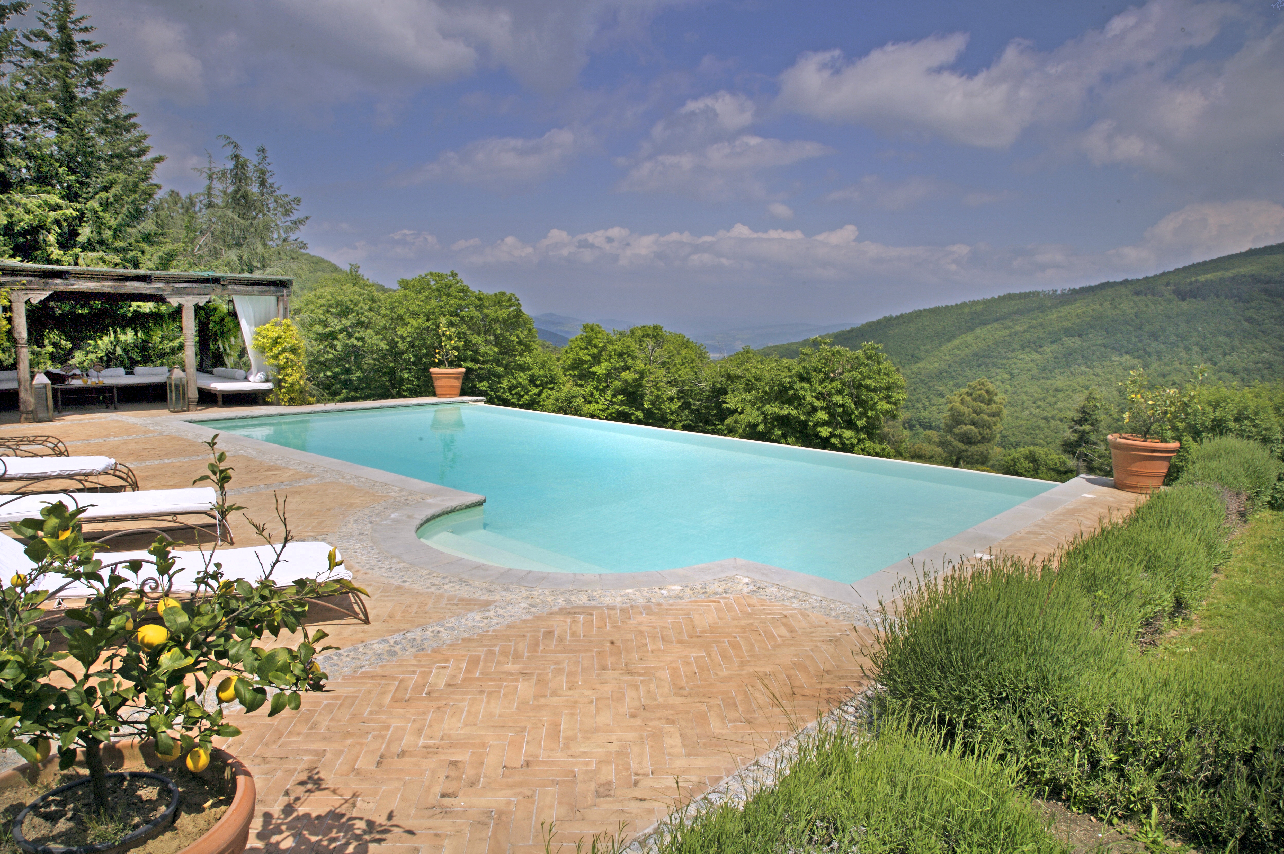 Tuscany 39 S Most Amazing Private Swimming Pools