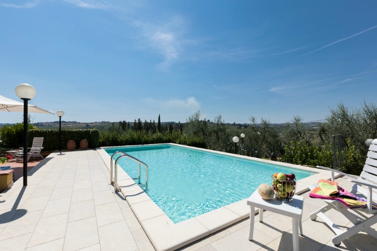 Villa-Raffaela-Tuscany-Olivers-Travels