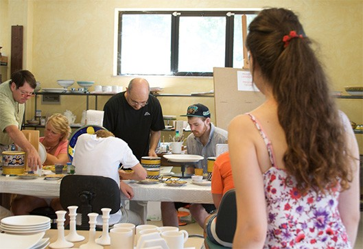Ceramics Painting Classes - Via Umbria