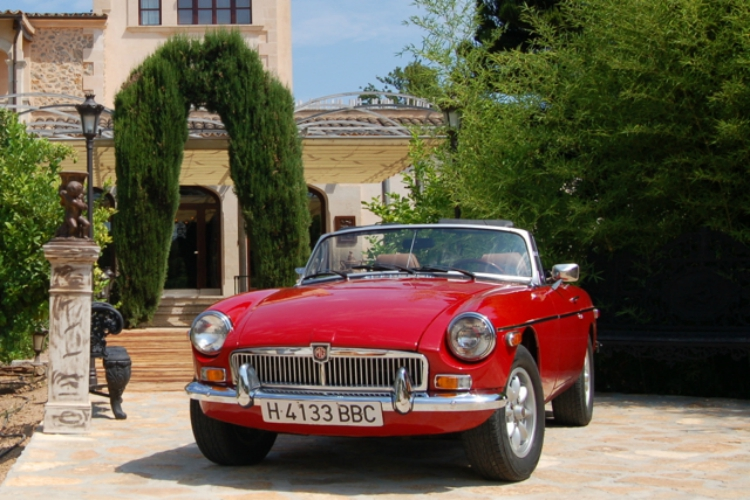 Group Activities in Mallorca | Image of Classic Car