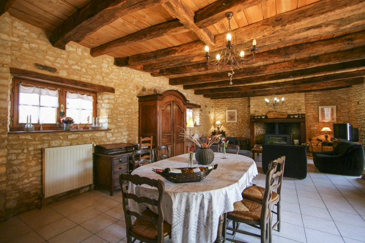 Le-Bos-Dordogne-Olivers-Travels