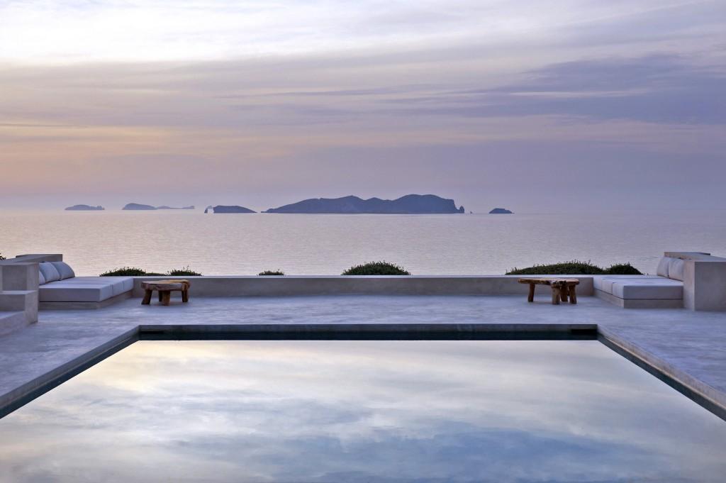 Mediterranean Waves - Villa Arenil de la Sirena, Ibiza - Luxury Villas to Rent in Ibiza - Olivers Travels