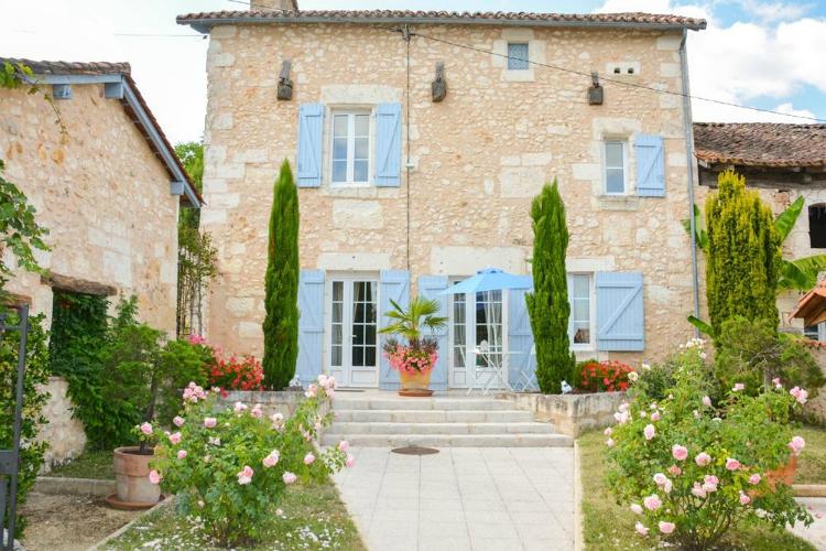 villas in the Dordogne