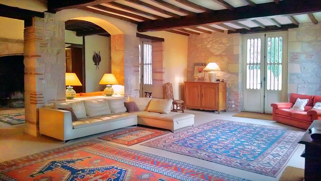 Chateau Castelsagrat - Sleeps 19