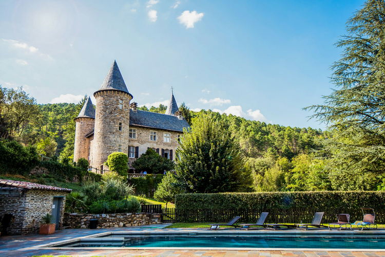 Chateau Chamborigaud - Olivers Travels