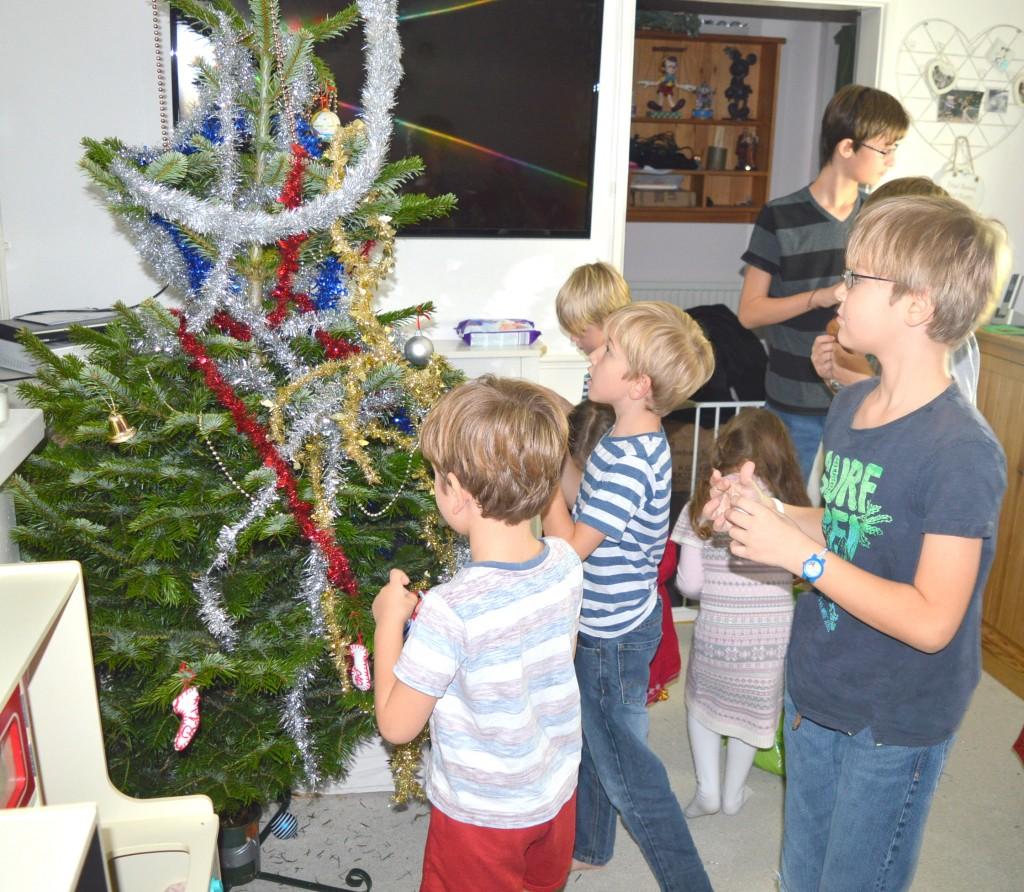 Large Family Life - Christmas Tree