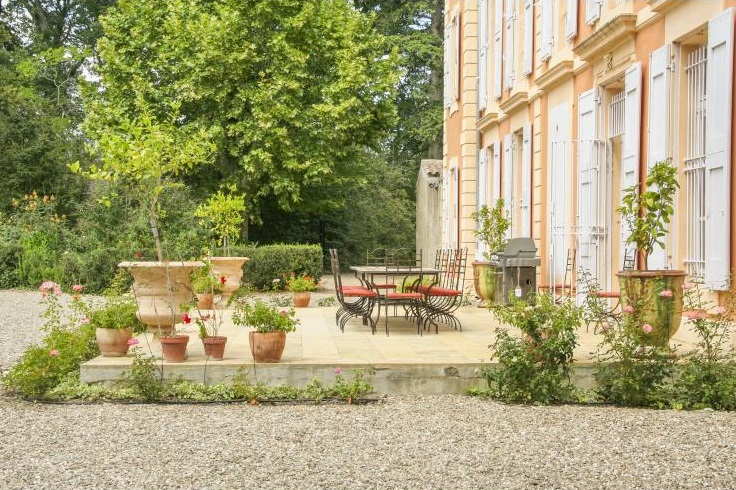 Chateau La Lune - Sleeps 20
