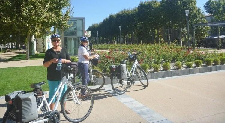 relaxing bike tours