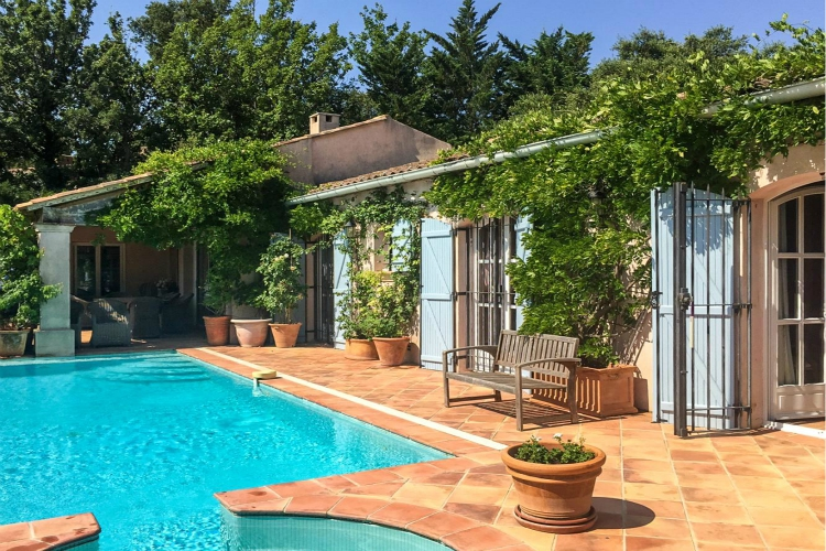 budget villas in St Tropez