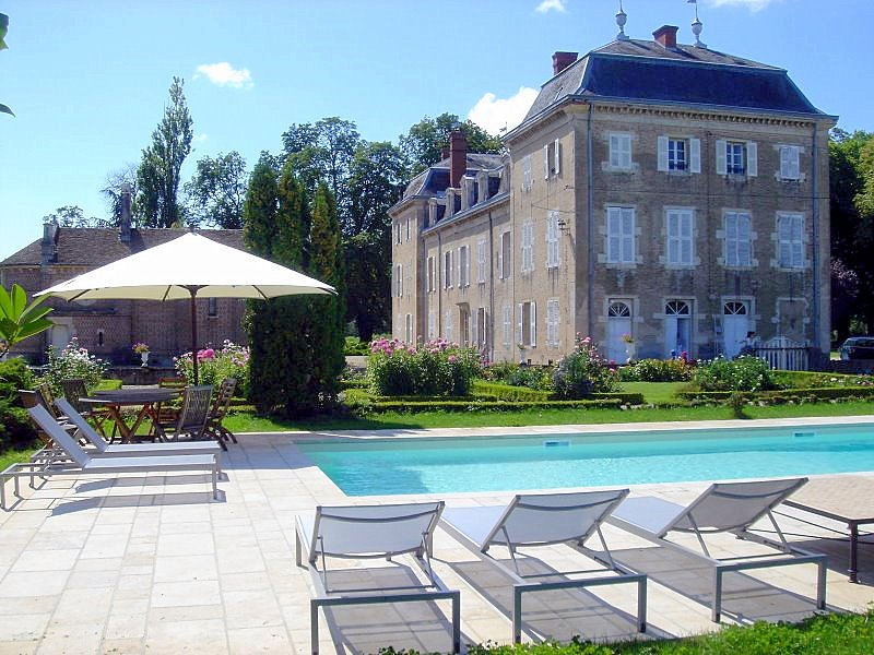 Chateau D'aleny - Burgundy - Oliver's Travels