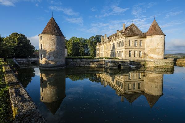 C18th Burgundy Chateau - Burgundy - Oliver's Travels