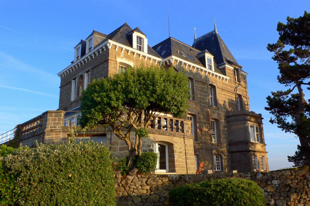 travelling by ferry to france stay in these french chateaux