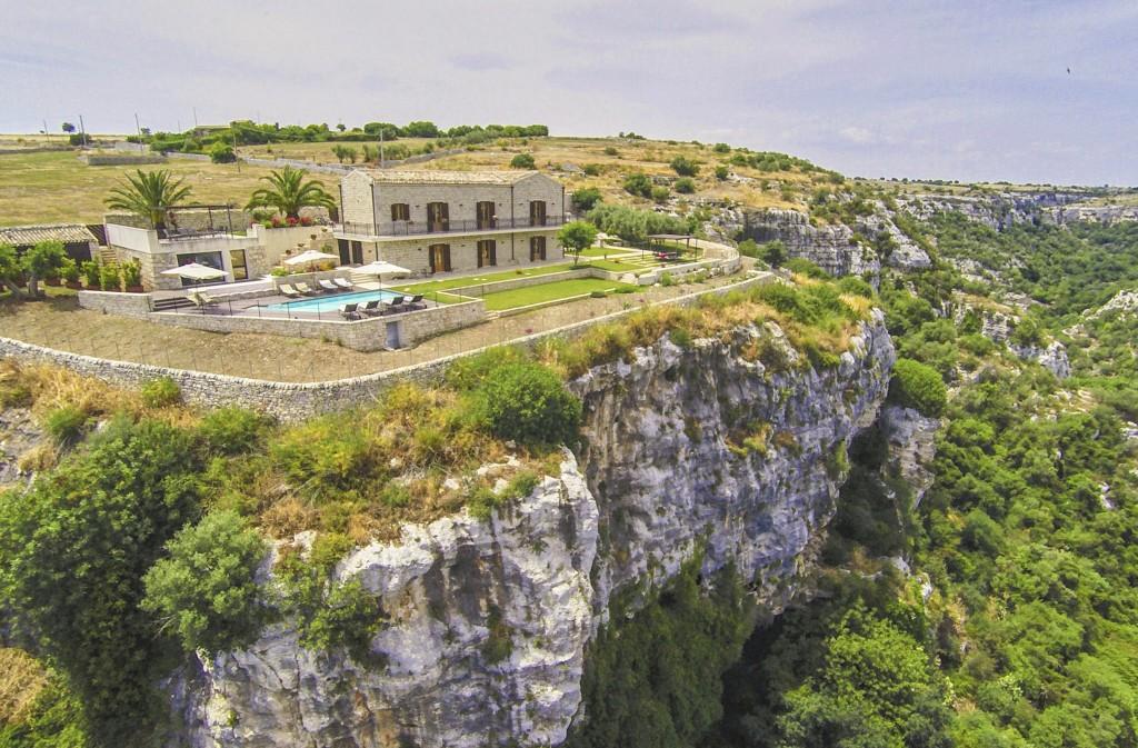 Castello-Cavica-Sicily-Olivers-Travels-7