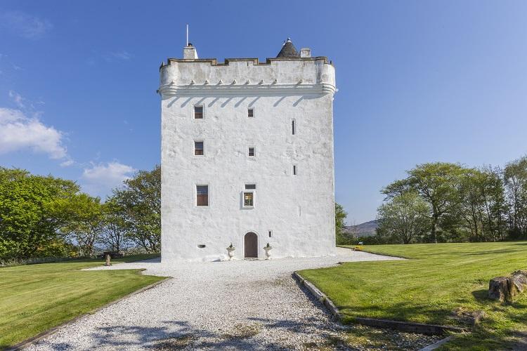 Ayrshire-Castle-Scotland-Olivers-Travels-1