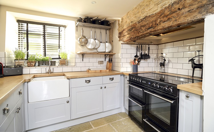 The best self catering holidays in the uk for Kitchens chipping norton