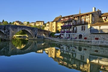 the old village of Nérac in French