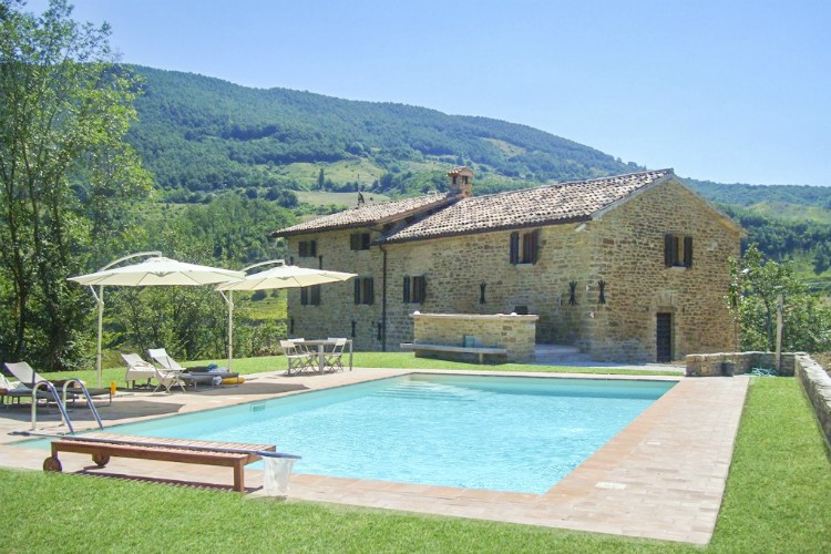 Petronella-Umbria-Italy-Olivers-Travels