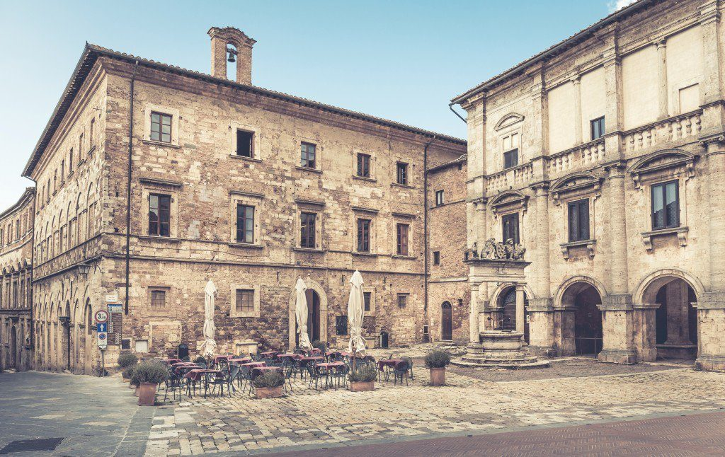 Piazza Grande – Montepulciano – Oliver's Travels